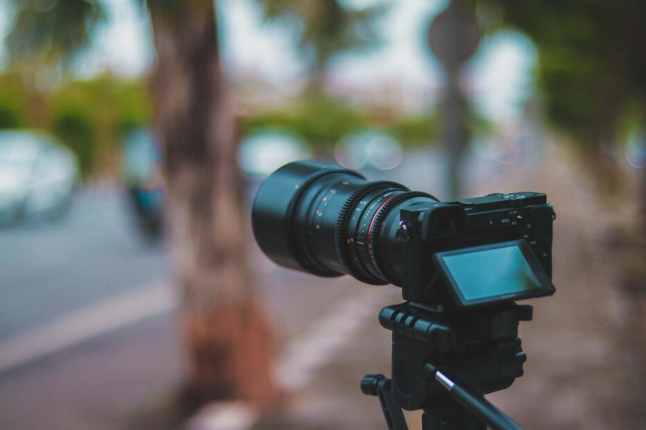 How to create videos for online courses on a shoestring budget? Camera | Knorish